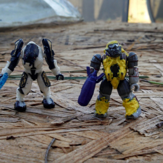 Image of: Custom figure contest: Elite honor guard ultra and Yellow jet pack brute