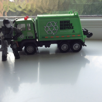 Image of: This guy knows how to recycle