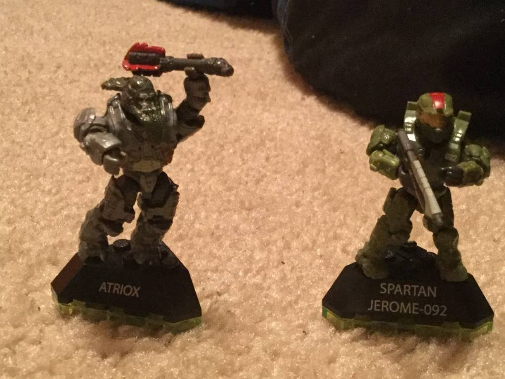 New halo wars two figuers