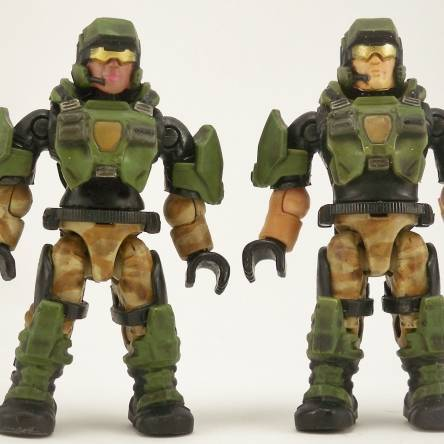 Halo 3 male and female Marines