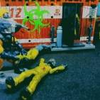 Hazmat soldiers are getting in a biohazard place .