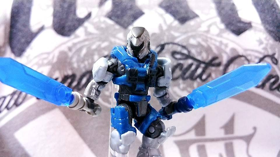 Destiny Mix-matching figure .