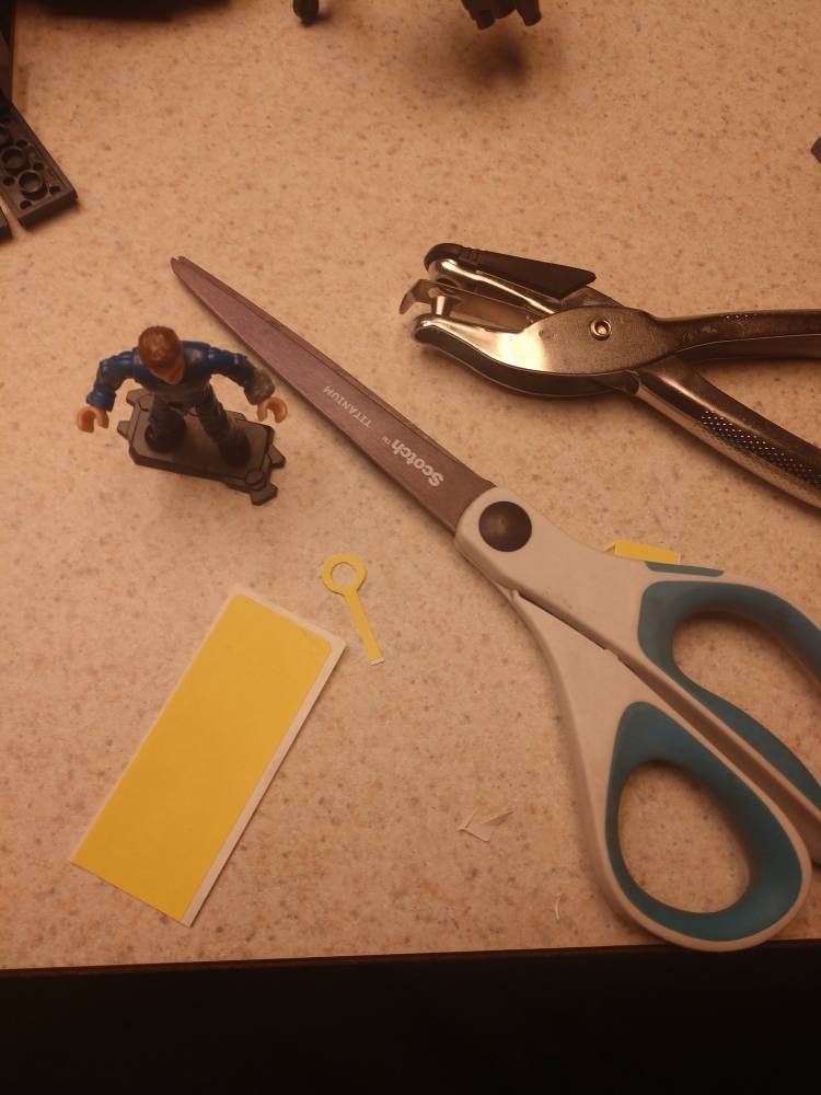 Image of: Tailoring a vault suit!