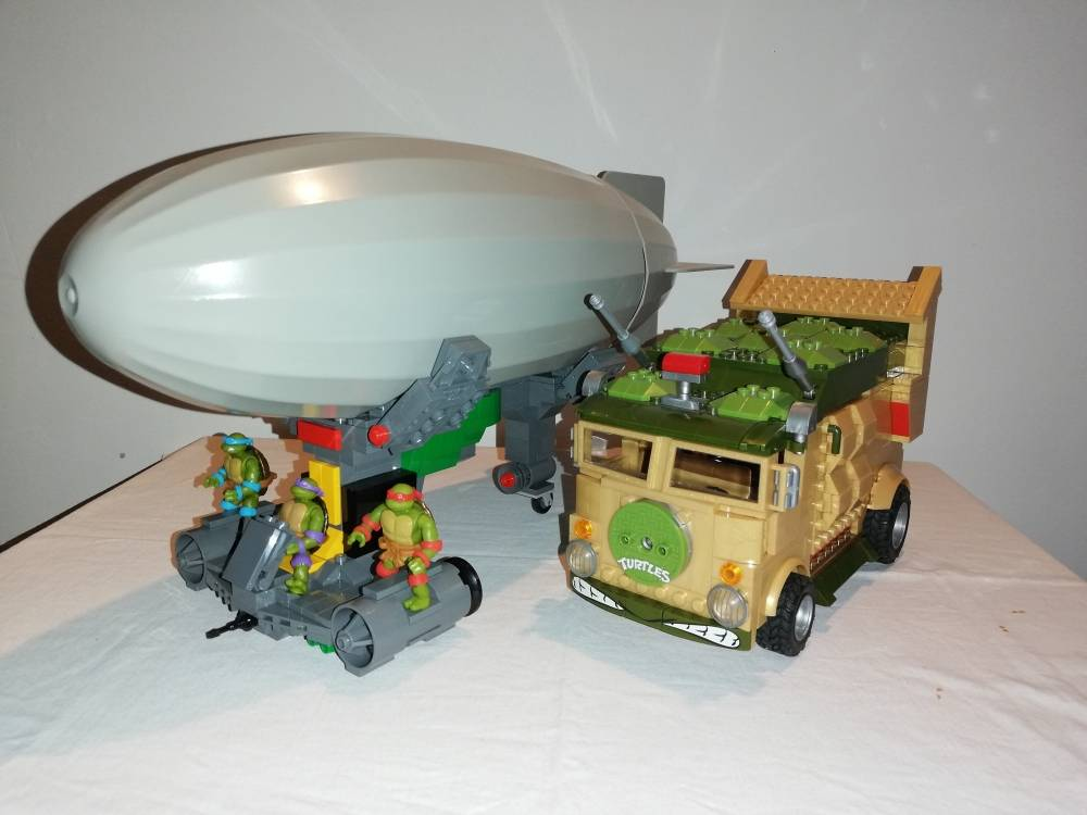 Image of: TMNT 1987 Turtle Blimp