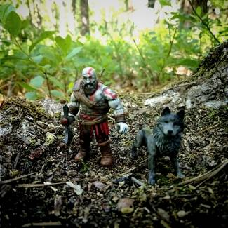 Image of: Kratos and Wolf
