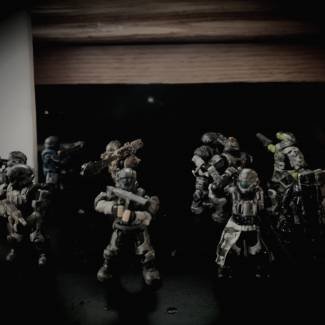 Image of: ODSTS emerge from Covenant Yanme'e hive after months trapped under ground