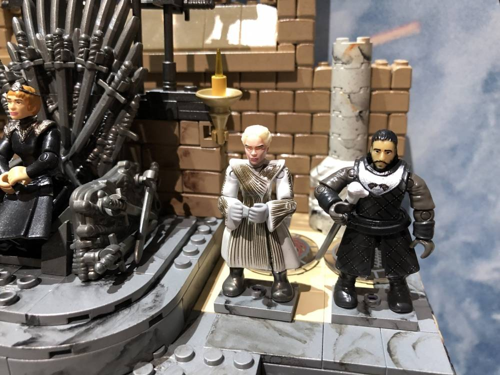 Image of: SDCC Preview: A Closer Look at the Iron Throne