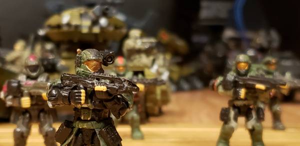 heavy-armor-on-the-move-with-infantry-support