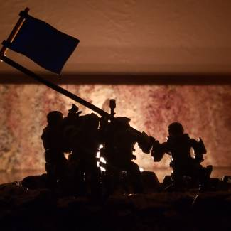 Image of: Marines raise flag in victory on Harvest
