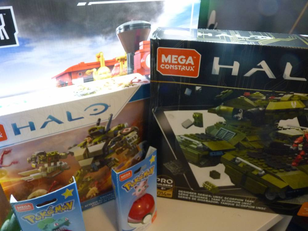 Image of: King's mega mega Christmas haul.