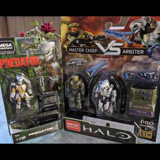 Image of: Master Chief vs Arbiter Pack and Predator Figure