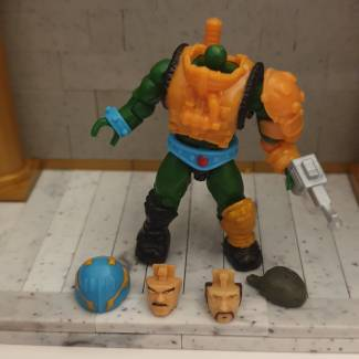 Image of: MOTU Man-At-Arms' Alternate head