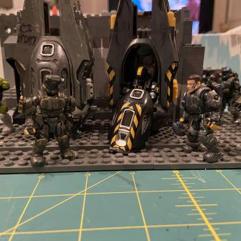 ODST DROP POD BAY ( also my sig fog and his team )