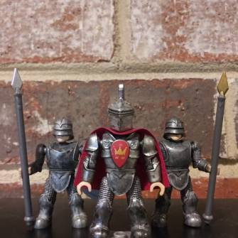 mega-bloks-king-arthur-gold-armor-and-custom-helmet-figure